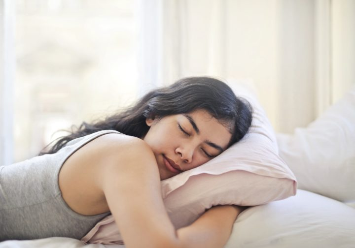 Sleeping On Your Stomach? The Sleeping Positions – Ranked!