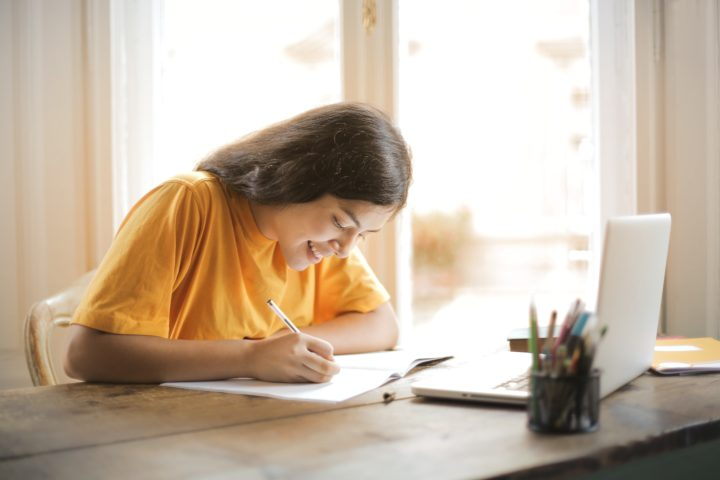 How To Focus on Studying: 4 Simple Tips
