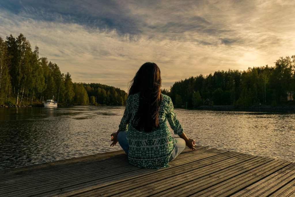 Meditation to stop inner criticism.